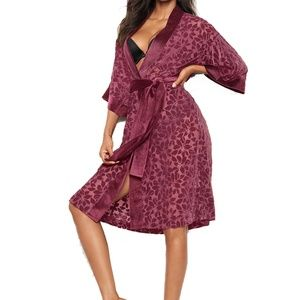 VS Very Sexy Velvet Applique Kimono Robe